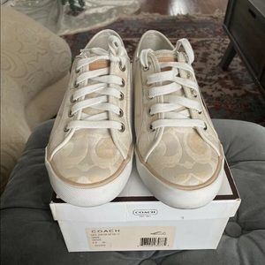 Coach dee sneakers. Size 6.5. Amazing condition.